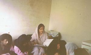 Unterricht für afghanische Flüchtlinge in Pakistan.